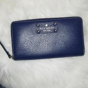 Kate Spade zip around wallet EUC